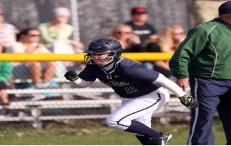 Softball starts new CSL win streak