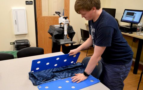 Students develop skills through T-shirt business