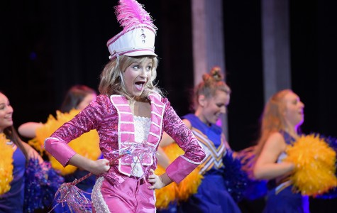 "There's nothing dumb about the ""Legally Blonde"" musical"