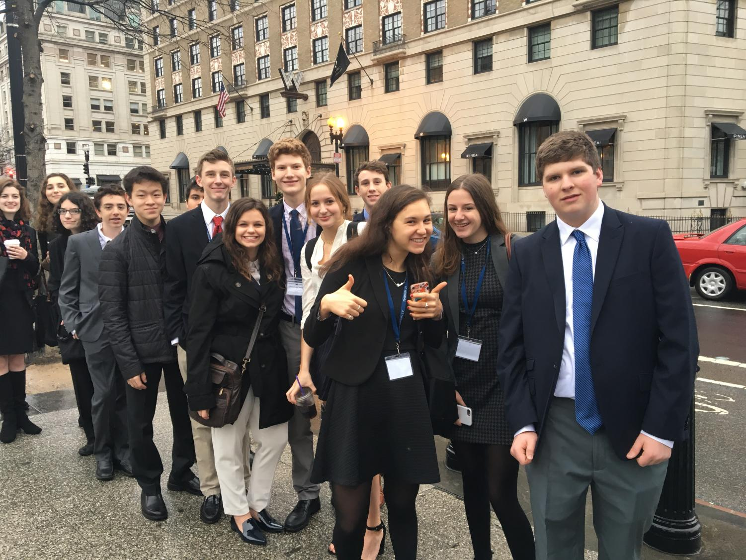 New Trier Model UN delegates in line before security screening in order to visit White House | Guthrie