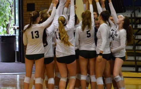 Girls volleyball defeats Evanston going into conference