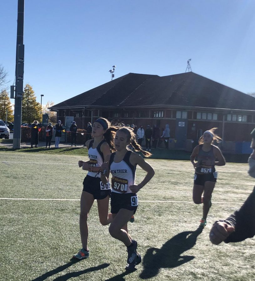Girls cross country finds success with top 5 finish at sectionals